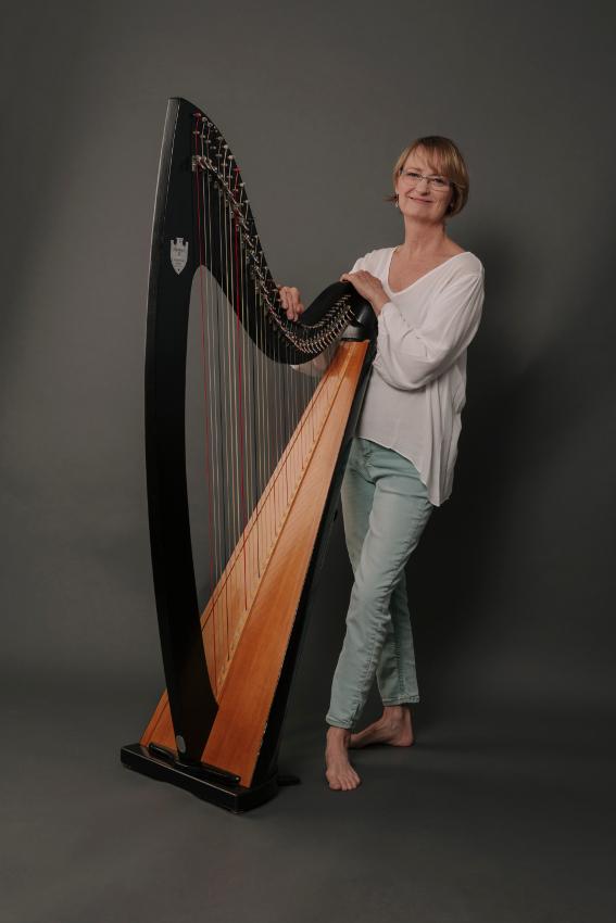 Valerie Cribbs - Harfe