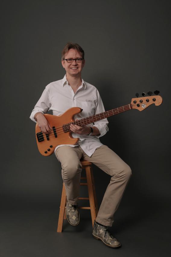 Joey Becker - E-Bass, Gitarre, Jazzensemble, Rock-/Popband
